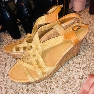 Shoes - Tan wedges